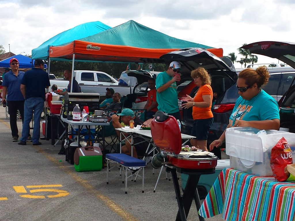Tailgating Photos Minnesota Vikings at Miami Dolphins 2014