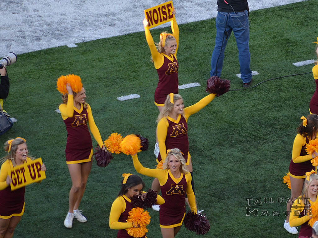 U of M Gophers Cheerleaders