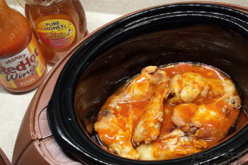 franks red hot sauce with wing