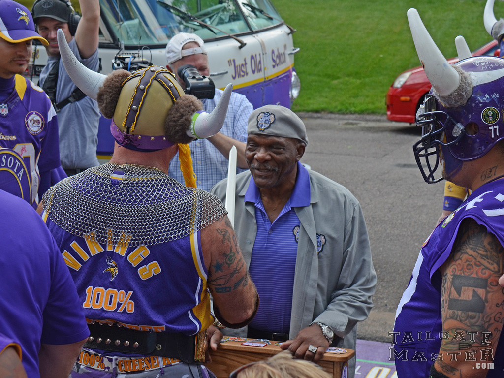 Carl Eller newest member of thee Viking World Order