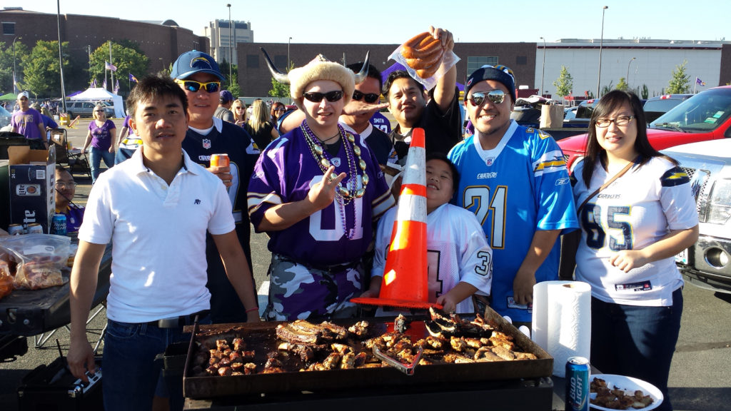 Vikings Fans and Charger Fans enjoying the tailgate